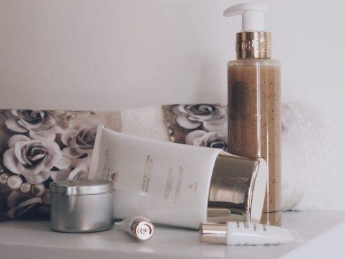Scrub Shower e Crema Corpo Nutriente – WB-